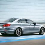 hybrid luxury car