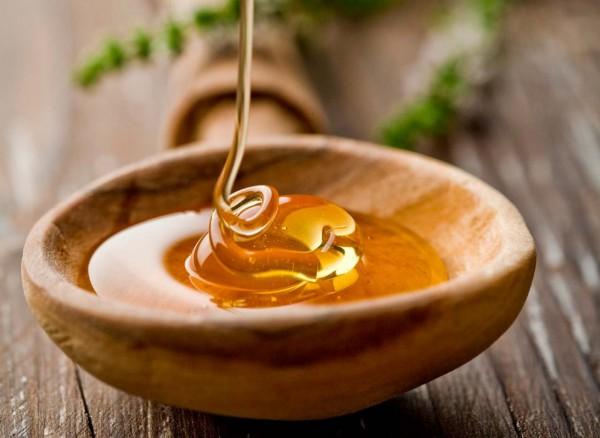 food-beauty-buzz-manuka-honey-facial-1172x856