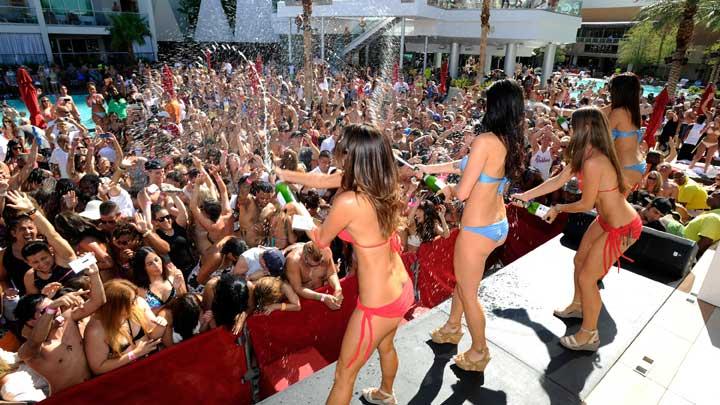 pool parties in vegas
