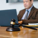 4 Signs You Need to Hire a Lawyer for Medical Malpractice